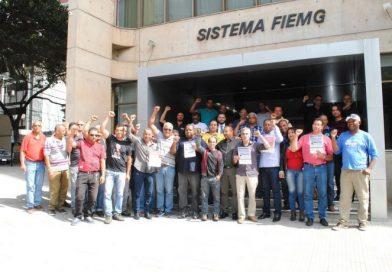 Metalúrgicas e metalúrgicos de Minas Gerais entregam a pauta à Fiemg