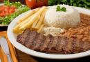 Discriminação na hora do almoço gera danos morais