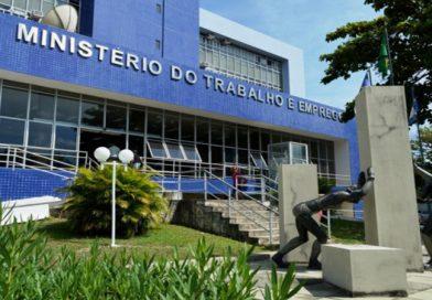 Governo Bolsonaro estuda duas propostas para futuro do Ministério do Trabalho, diz Onyx