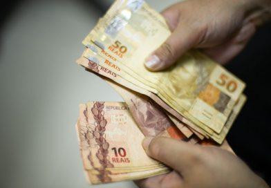 30 milhões de brasileiros vivem com um salário mínimo